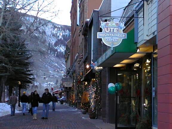 The costs of winter amenity urbanism