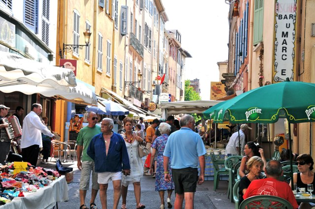 walkability and placemaking on market day