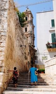sustainable urban stairways meet green infrastructure, mall-style